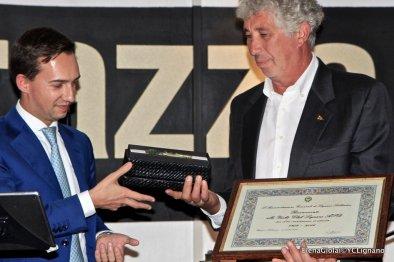 Saluto della Classe Snipe , e della XIII Zona FIV e finale a sopresa coon la consegna delle chiavi della Città allo Yacht Club Lignano da parte del Sindaco Luca Fanotto, Courtesy of www.elenagiolai.com